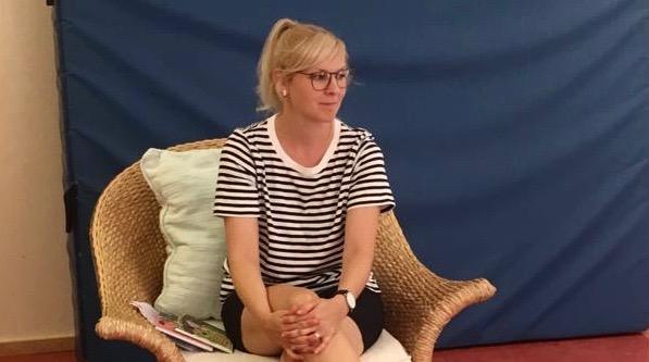 Lastenkirjailija Heidi Viherjuuri Suomi-koulussa 18.8.18